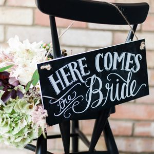 here-comes-the-bride-sign-38-the-wedding-of-my-dreams-credit-taylor-barnes-photography-2