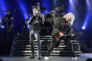 queen-lambert-performing-live-30
